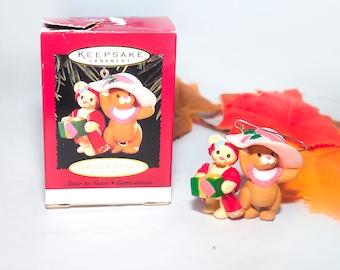 Vintage (1996) Hallmark Keepsakes Christmas Tree Ornament Sister to Sister. Christmas Mice. Original box.
