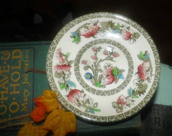 Vintage (1970s) Johnson Brothers Indian Tree orphaned saucer (no cup). Chinoiserie floral and tree motif, greek key band.