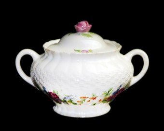 Vintage (1930s) Simpsons Potters Finsbury covered handled sugar bowl. Solian Ware ironstone made in England.
