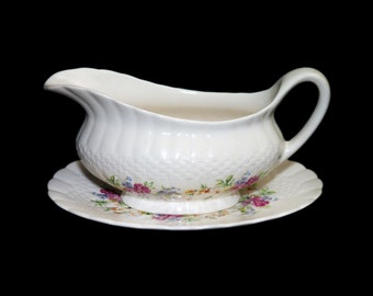 Vintage (1930s) Simpsons Potters Finsbury gravy boat   sauce boat with underplate. Solian Ware ironstone made in England.