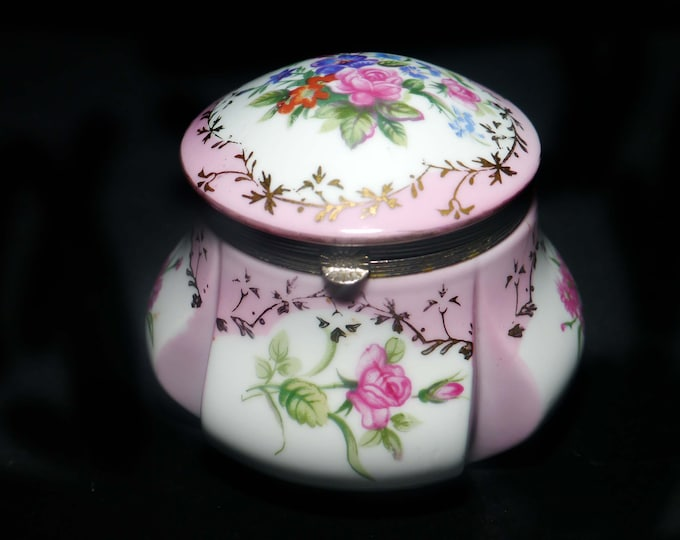 Antique Victorian era RS Prussia   Reinhold Schlegelmilch trinket, jewelry, powder box with hinged lid, pink purple flowers.