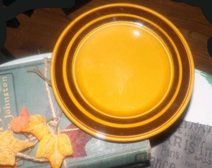 Vintage (1970s) Royal Alma | Kiln Craft luncheon | breakfast plate. Caramel ground, dark brown bands. Made in England. Hard to find.
