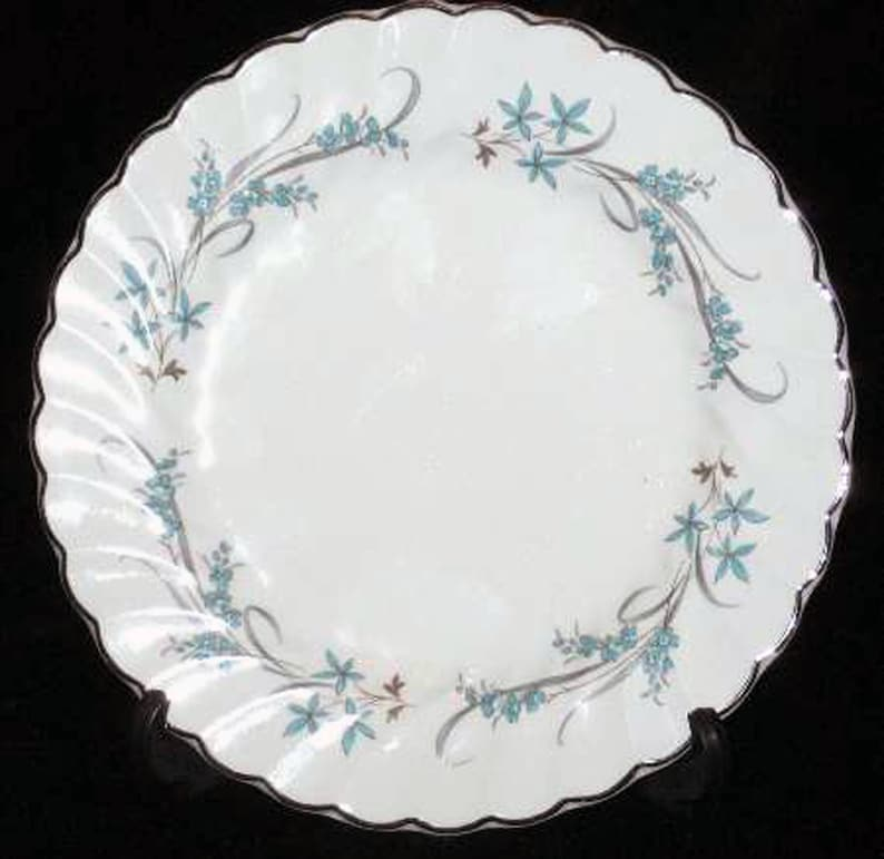 gray leaves Mid-century ribbons Blue flowers Snowhite Regency ironstone. Johnson Brothers JB1117 hand-decorated dinner plate 1950s