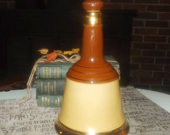 Vintage (late 1970s) ceramic Bell's Whisky jug | decanter with original corked cap. Jug made in England by Wade.