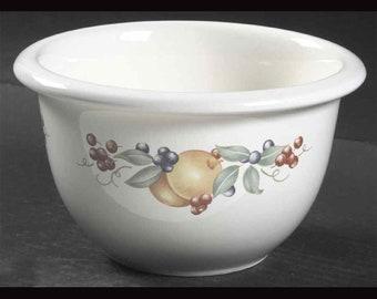 Vintage Corelle Coordinates | Corning Fruit Abundance 1 quart mixing bowl. Fruit of lemons, berries and greenery.