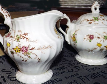 Mid-century Myott Heritage M411PU creamer and covered sugar bowl set made in England.