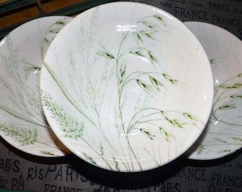 Vintage (1970s) English Ironstone Tableware Wild Oats pattern cereal, soup or salad bowl.  Green oat sheaves and ferns.