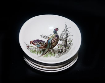 Vintage (1970s) Johnson Brothers Game Birds oval fruit nappie, dessert, sauce or berry bowl made in England. Sold individually.