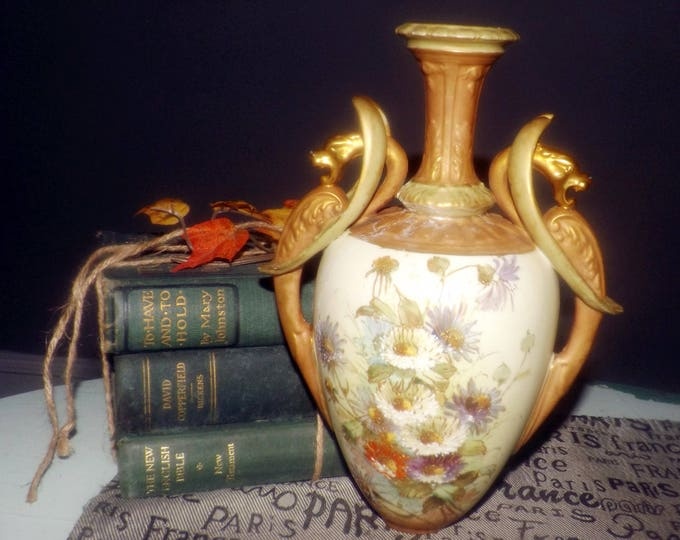 Antique (1900-1909)  Depose Ernst Wahliss Turn Wien hand-painted vase | amphora with majolica and gold accents.
