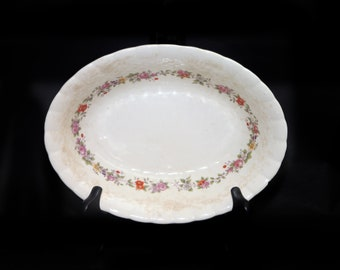 Vintage (1930s) Simpsons Potters SIM6 oval vegetable serving bowl. Solian Ware ironstone made in England. Flaws (see below).