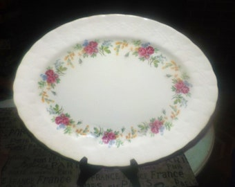 Vintage (1930s) Simpsons Potters Finsbury hand-decorated oval vegetable platter. Solian Ware ironstone made in England.