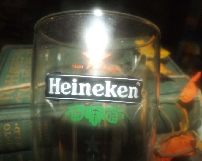 Vintage Heineken Belgian Beer pint glass.  Etched-glass branding, weighted base. Commercial-quality glassware.