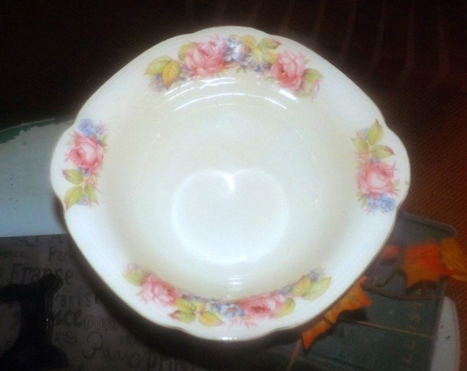Vintage (1930s) Alfred Meakin Renick hand-decorated rimmed vegetable serving bowl. Royal Marigold ironstone made in England.