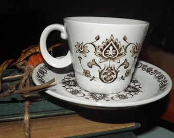 Set of five retro (1970s) Wood & Sons Canterbury cup and saucer sets made in England.