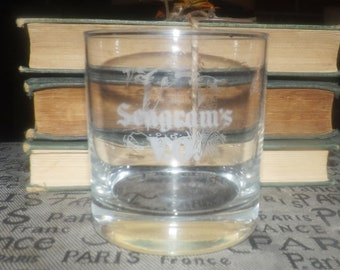 Vintage (1980s) etched-logo Seagram's VO Canadian whisky lo-ball, whisky, old-fashioned, on-the-rocks glass. Etched loon on reverse.