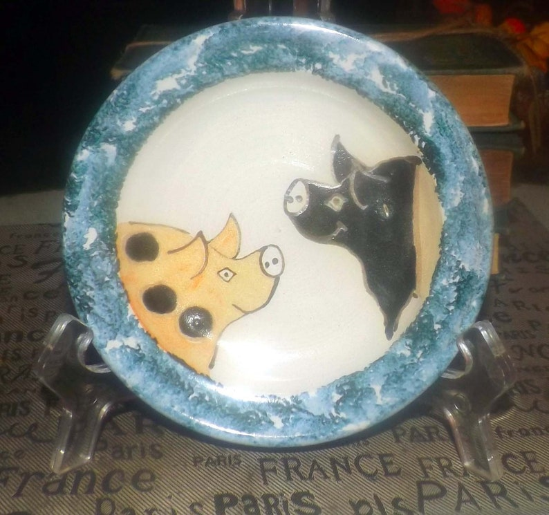 Annette McCourty Dumfries and Galloway Barnbarroch Pottery Scotland hand-painted spotted pigs dish Vintage sugar cubes bowl. late 1970s