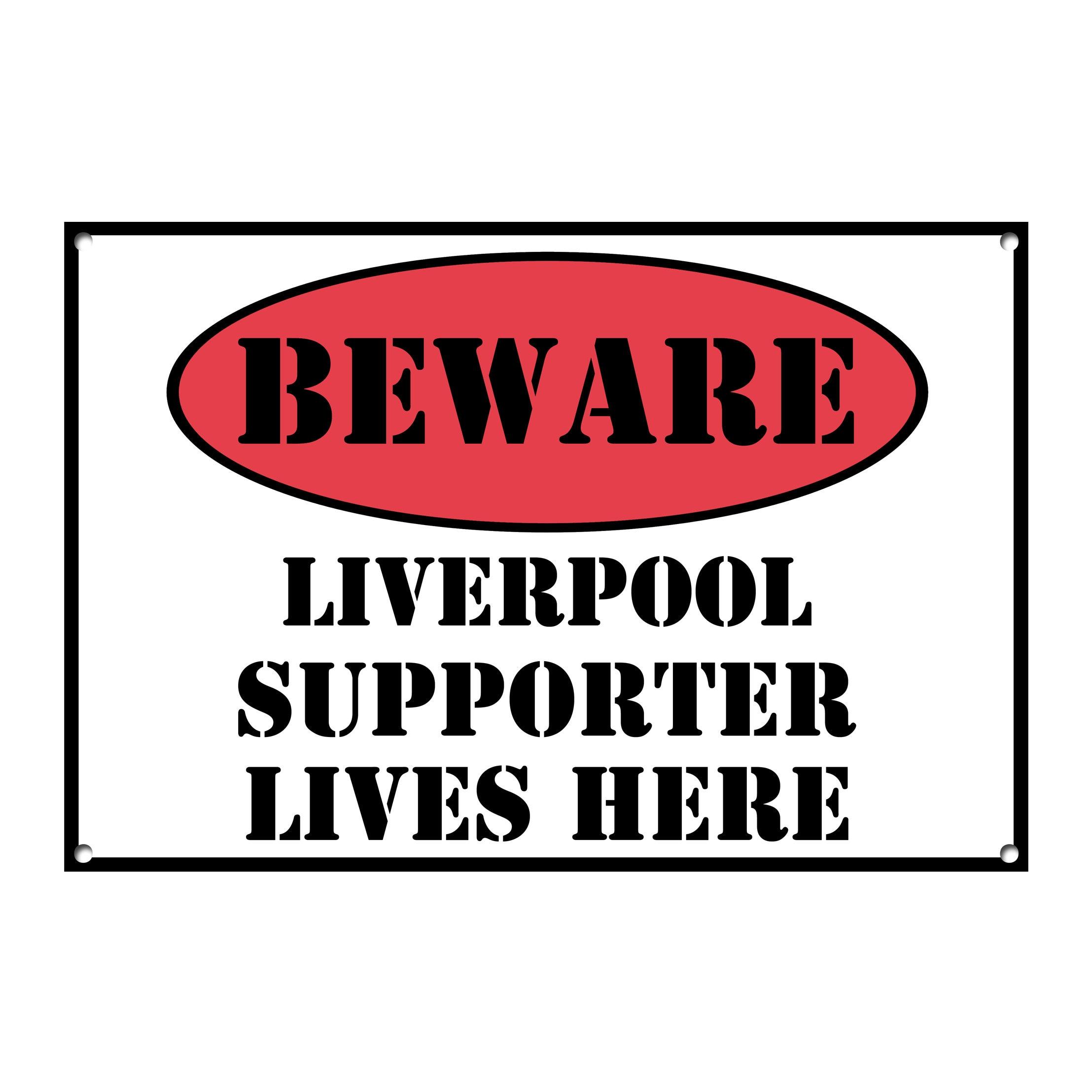 plaque 400 Magnet pour le frigo avec trous cl/ôture Beware Liverpool Supporter Lives Here Panneau en m/étal 20,3 x 7,6 cm Rouge//bleu//beige style vintage mural porte 8x3 Red//Blue//Beige