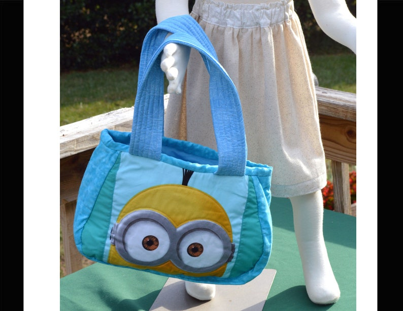 MINIONS Travel Toys DayCare Car Seat Bag Toddler Size Minion Carry-All Bag Quilted Layers Boy or Girl So Cute with 2 Different Sides