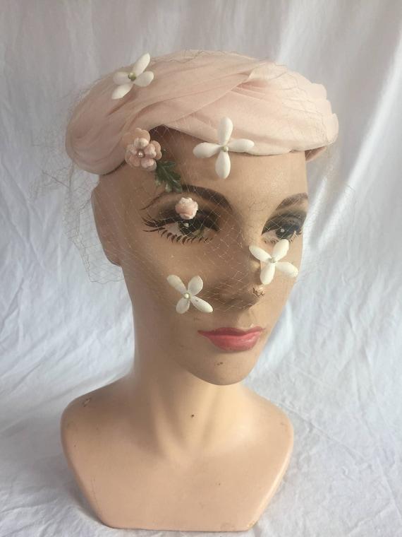 Vintage Dreamy 1950's Blush Pink Floral Netted Ve… - image 2