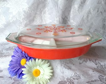 PYREX FRIENDSHIP CASSEROLE dish divided with lid, vintage pyrex 1.5 quart