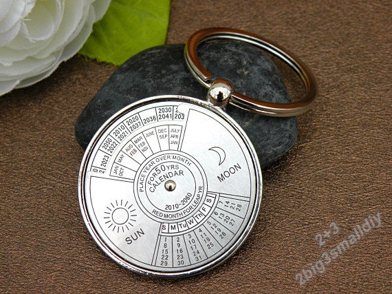 50 years perpetual Calendar Key Ring Unique Compass Metal KeyChain Artwork Gift