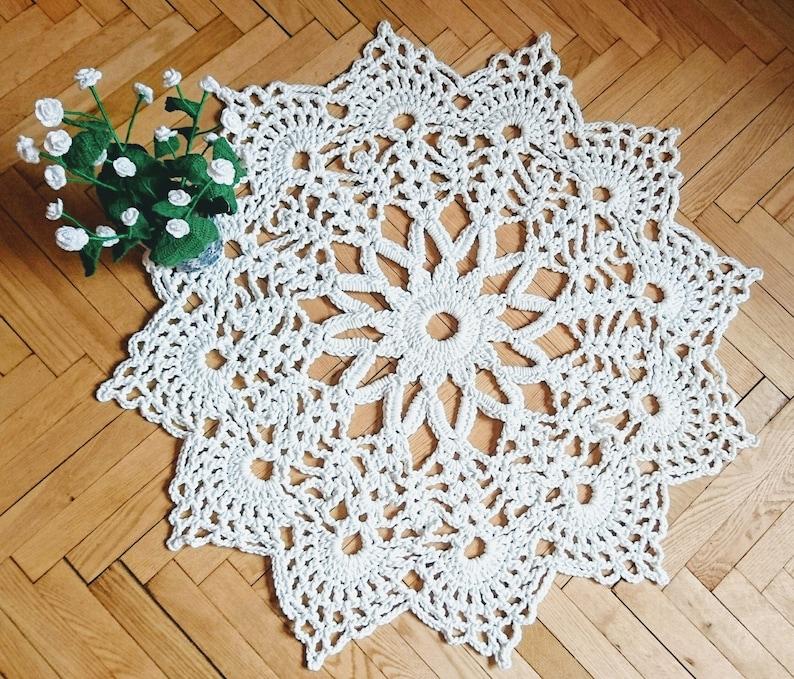 Crochet area rug  MIRA   carpet  living room decor throw rug image 0