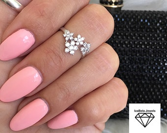 Crystal Flowers Midi Ring. Cubic Zirconia and White Gold Plating. Unique Flower Ring. Bohemian Ring. Size 4