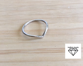Viviana Ring. 925 Sterling Silver V-Shapped Ring. Simple Dainty Silver Ring. Bohemian Simple Jewelry.