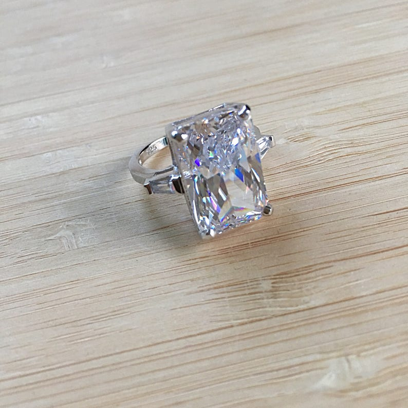 Elegant Ring Liz Ring 925 Sterling Silver Statment Ring with Large 8.5 Carat Cubic Zirconia Classy Ring. Gorgeous Ring