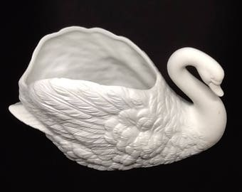 Planter White Swan Vintage Made in Taiwan Storage Home Decor Cottage Chic Decor Country Decor Catch All Victorian Decor Bath Decor Gift
