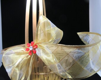 Basket Flower GirlVintage Basket Centerpiece Home Decor Country Decor Cottage Chic Gift Storage Table Decor Wedding Accessory Party Decor