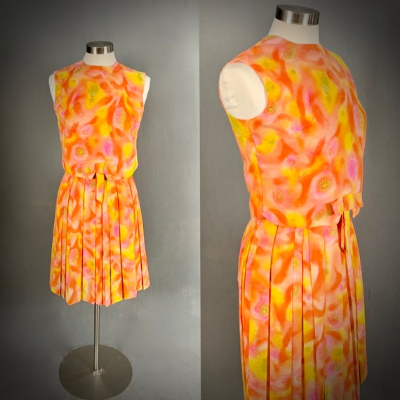 1960's Women's 2 piece Shell Top Blouse Pleated Sk