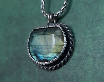Solid Sterling Silver pendant necklace  facetted labradorite , hand made