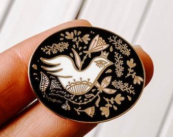 Bird surrounded by leaves Hard Enamel Keychain Royal Bird