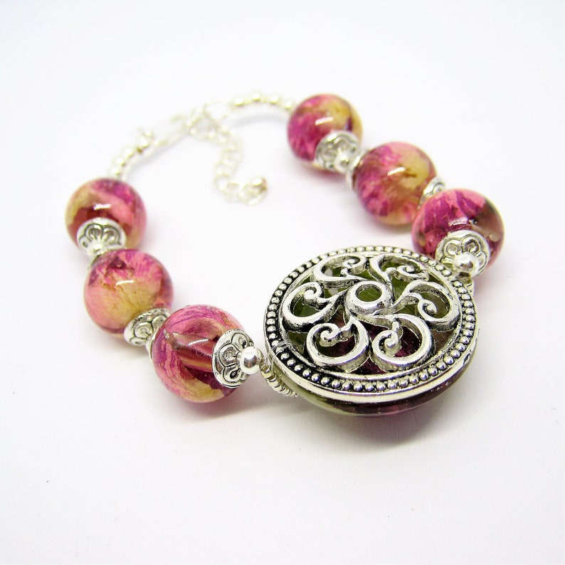 Resin jewelry bohemian style floral design for woman,Sphere bracelet beaded jewel botanical hippie gift Flower ball bracelet with real rose