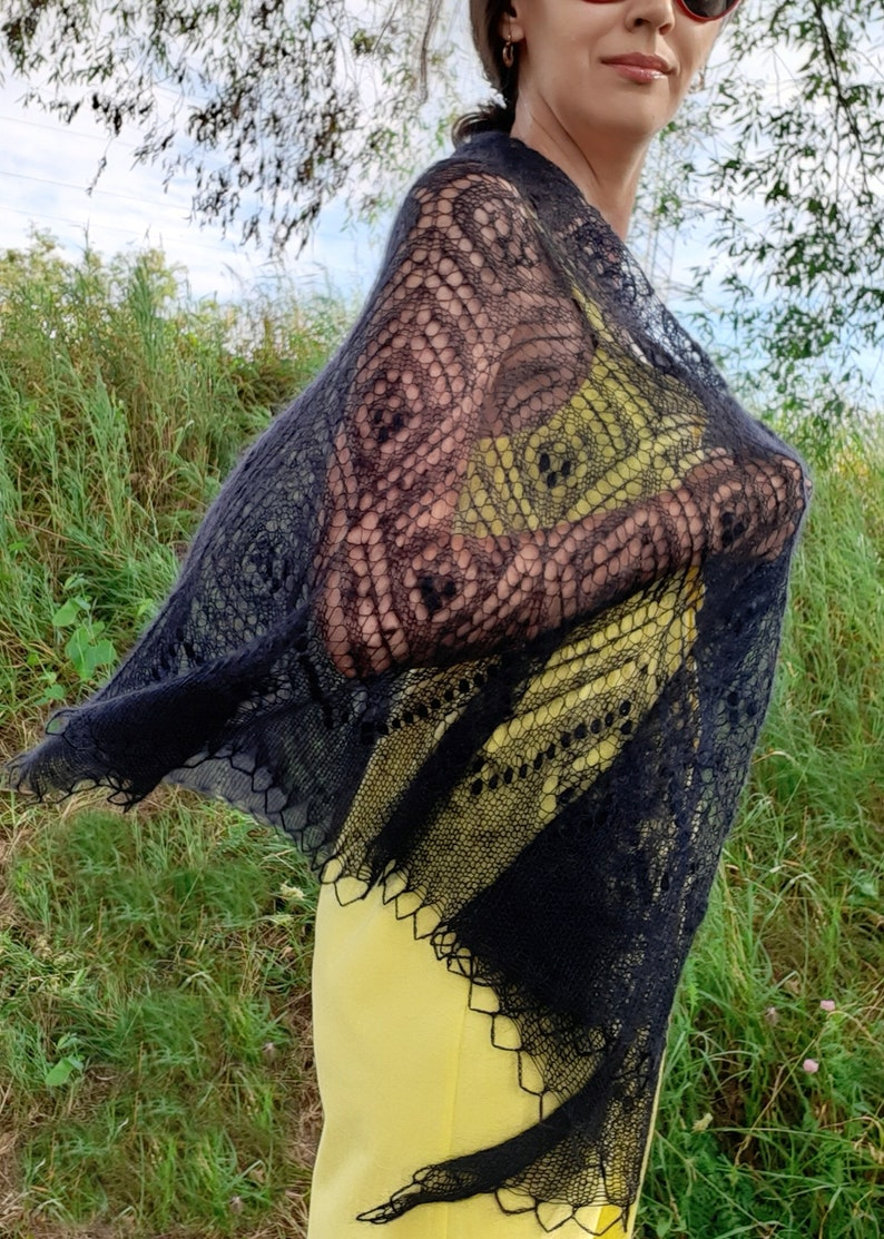 Knitting patterns for mohair shawls Lace nupps crescent ...