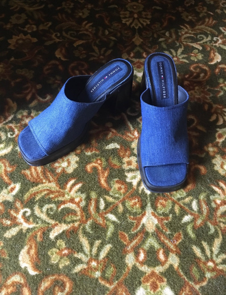 9b52aed536b0 90s Tommy Hilfiger Chunky Slide Sandal Vintage Block Heel Size