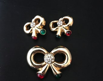 Vintage Joan Rivers Jewels Of India Red & Green Glass Cabochon Bows Pin/Brooch And Clip Earrings Set-Christmas-Moghal Jewelry