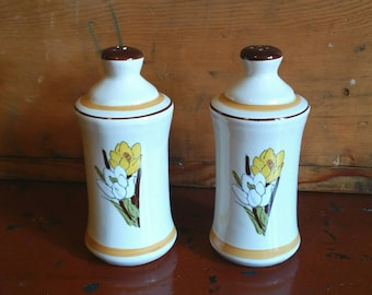 Vintage Salt and Pepper Shakers/ Tall Salt and Pepper Shakers/ Salt and Pepper Shaker Set/ Ceramic Salt and Pepper Shakers