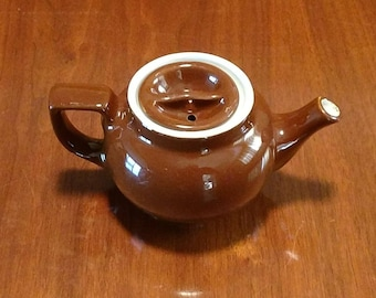 Vintage brown Hall teapot, 3 cups