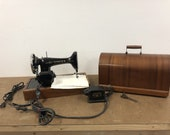 Vintage SINGER 99K SEWING MACHINE w Bentwood Carrying Case bent wood box industrial antique original