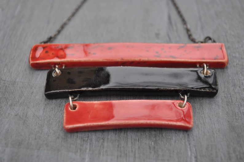 Gift for her Contemporary necklace Pendant necklace in 3 parts Geometric necklace Black and red ceramic necklace Statement necklace