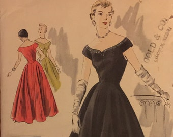 """Extremely Rare VTG 4125 Vogue (1950). Vogue Special Design.  One piece dress.  Size 14, Bust 32"""".  Complete, unused.  Excellent condition."""