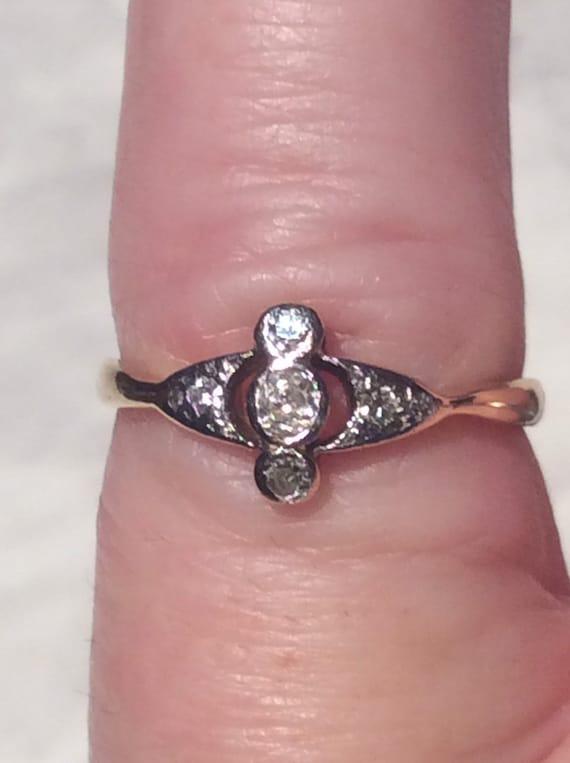 Antique Art Deco Diamond Gold Ring -18ct