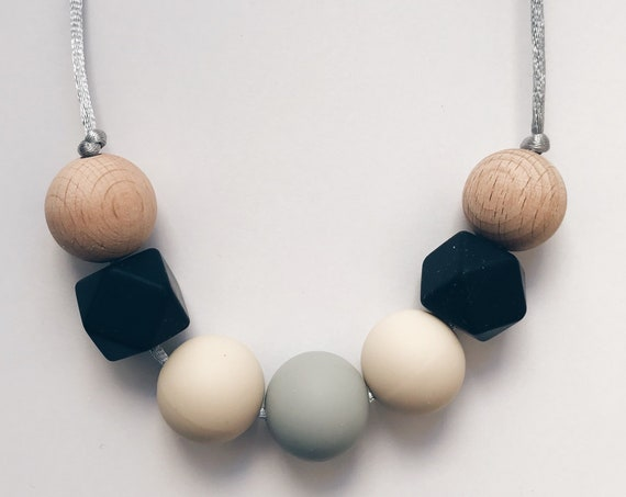 Teething Necklace - Carmen