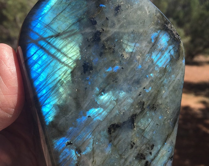 Standing LABRADORITE TOWER Sedona and Reiki charged, Protection against loss of Energy, Metaphysical Charged