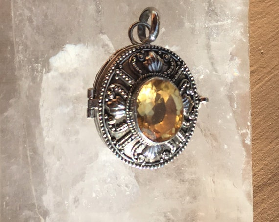CITRINE LOCKET STERLING Silver Personal Power Naval (3rd) Chakra balance Metaphysical Sedona & Reiki for Self Confidence Power and Strength