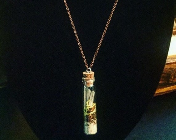 Crystal Vial Necklace, Lavender, Moss, Crystal Sand, Laser Wand & Abundance Crystals, Sedona Charged Crystals, Metaphysical Quartz necklace