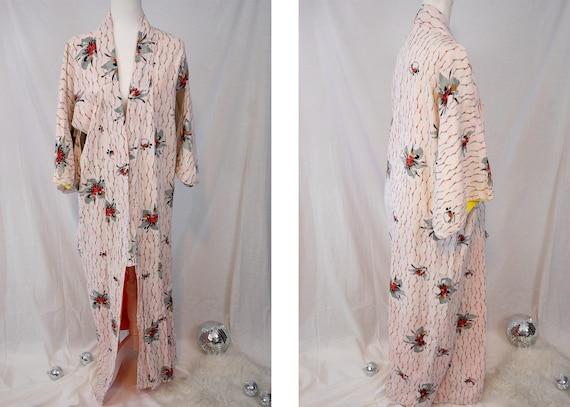 1970s Pale Pink Floral Kimono