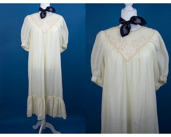 Vintage 1970s Embroidered Peasant Dress